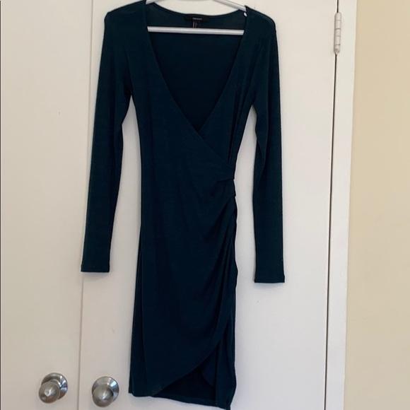 Forever 21 Dresses & Skirts - FOREVER 21 Long Sleeve Ruched Tulip Dress